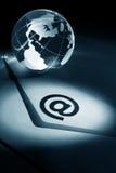 Globo e email imagens de stock