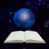 Globo e libro di puzzle in universo illustrazione di stock