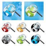 Globo e magnifier della terra Immagine Stock