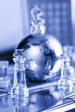 Globo e scacchi del metallo Fotografie Stock Libere da Diritti