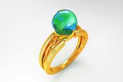 Globo no anel de ouro Fotografia de Stock Royalty Free