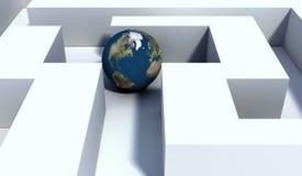 Globo no labirinto Imagens de Stock