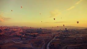 Globo sobre Cappadocia Imagen de archivo