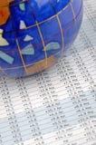 Globo y hoja de datos Foto de archivo