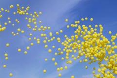 Globos amarillos Fotografía de archivo libre de regalías
