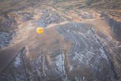 Globos amarillos del aire caliente Foto de archivo libre de regalías