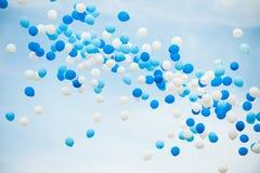 Globos azules y blancos Foto de archivo
