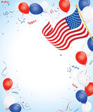 Globos blancos y azules rojos con el indicador americano Imagenes de archivo