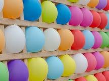 Globos coloridos como blancos Fotos de archivo