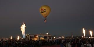 Globos coloridos del aire caliente en el evento del resplandor de la mañana en el Albuquerq Imagen de archivo