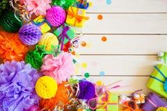 Globos de papel festivos coloridos Accesorios para el cumpleaños Imagen de archivo
