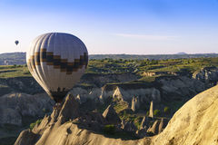 Globos del aire caliente en Cappadocia, mayo de 2017 Fotografía de archivo libre de regalías