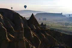 Globos del aire caliente en Cappadocia, mayo de 2017 Fotografía de archivo