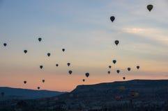 Globos del aire caliente sobre Cappadocia Foto de archivo