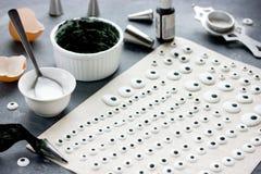 Globos del ojo hechos en casa del caramelo para los platos para Halloween, sug de la decoración Imagen de archivo