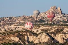 Globos en Cappadocia Imagen de archivo libre de regalías