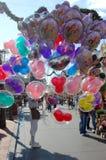 Globos en la calle principal, mundo Orlando de Disney Imágenes de archivo libres de regalías