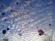 Globos en vuelo Fotos de archivo libres de regalías
