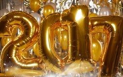 Globos felices 2017 del Año Nuevo del oro Imagen de archivo libre de regalías