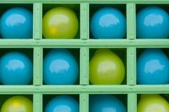 Globos inflables en estantes. Fotos de archivo libres de regalías