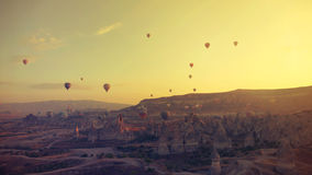 Globos sobre el Cappadocia Imagen de archivo libre de regalías