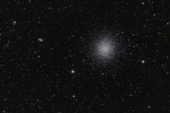 Free Globular Star Cluster M13, Through My Amateur Telescope, Out Of My Backyard. Stock Photo - 154354010