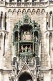 Glockenspiel στην πόλη του Μόναχου στοκ εικόνες