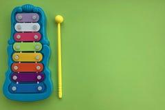 Glockenspiel is een de muziekinstituut van kinderen Een stuk speelgoed royalty-vrije stock afbeelding