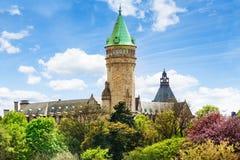 Glockenturm Banque und Caisse d'Epargne s de L'Etat Stockfotografie