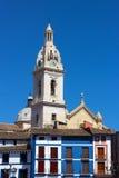 Glockenturm der Collegebasilika von Santa Maria, Spanien stockfotografie