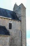 Glockenturm der Wehrkirche von Saint Julien, Nespouls, Correze, Limousin, Frankreich Lizenzfreie Stockfotos
