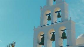 Glockenturm-Detail einer traditionellen Mittelmeerkirche Cycladic stock footage