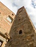 Glockenturm erreicht in den Himmel Lizenzfreie Stockfotos