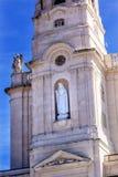 Glockenturm Mary Statue Basilica von Dame des Rosenbeetes Fatima Portugal Lizenzfreie Stockfotos