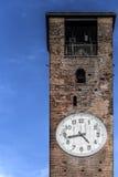 Glockenturm mit Borduhr Lizenzfreie Stockfotos