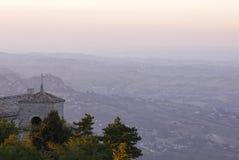 Glockenturm in San Marino Stockfotografie