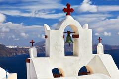 Glockenturm Santorini lizenzfreie stockbilder