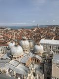 Glockenturm St. Mark's, Marktplatz San Marco, Venedig, Italien stockfotografie