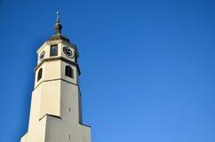 Glockenturm und blauer Himmel Stockfotografie