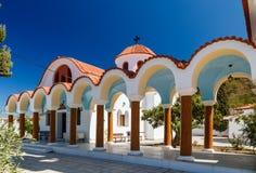 Glockenturm und Haube der orthodoxen Kirche auf der Insel von Rhodos Lizenzfreies Stockfoto
