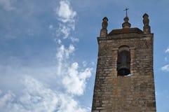 Glockenturm von Matriz-Kirche in Loule Lizenzfreies Stockfoto