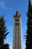 Glockenturm von San Zeno Basilica in Verona in Italien Stockbild