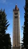Glockenturm von San Zeno Basilica in Verona in Nord-Italien Lizenzfreie Stockfotografie