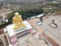 Glod buddha, det störst i världen på Nakhon Ratchasima, Thailand arkivfoton