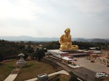 Glod buddha, det störst i världen på Nakhon Ratchasima, Thailand arkivfoto