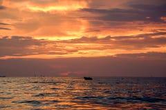 gloden el viaje colorido del cielo Fotos de archivo libres de regalías