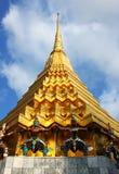 gloden stupę Thailand zdjęcia royalty free