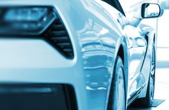 Gloednieuwe Auto voor Verkoop royalty-vrije stock foto's
