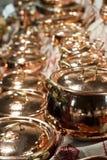 Gloednieuwe koperpotten Royalty-vrije Stock Fotografie