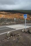 Gloednieuwe weg op een vulkaan Stock Foto